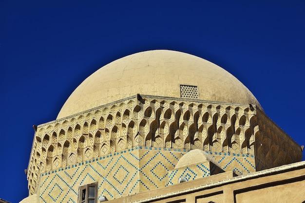 A mesquita na cidade de yazd, irã
