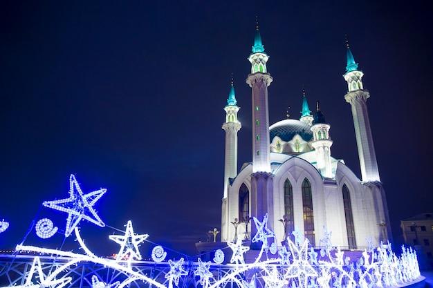 A mesquita principal de kazan kul sharif luzes de natal