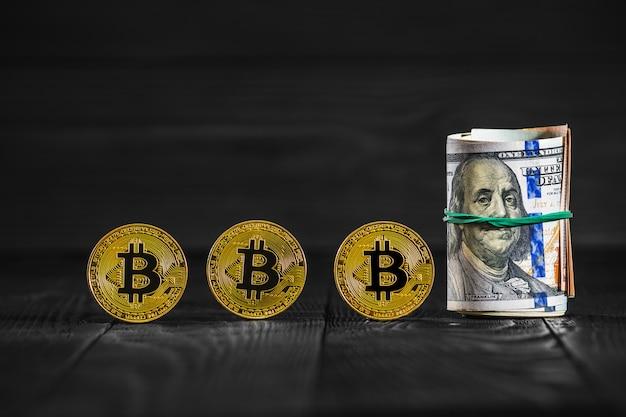 A moeda dourada do bitcoin em dólares americanos fecha-se acima. moeda criptográfica eletrônica
