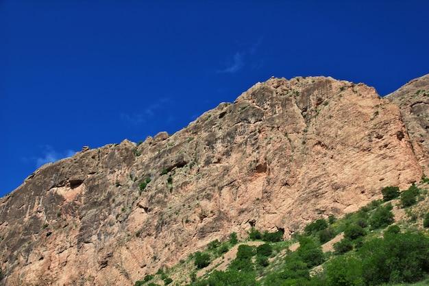 A natureza nas montanhas do cáucaso da armênia