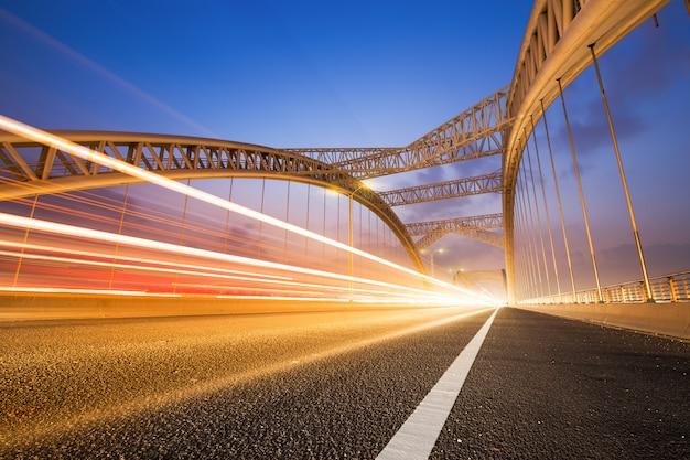 A noite da ponte moderna,