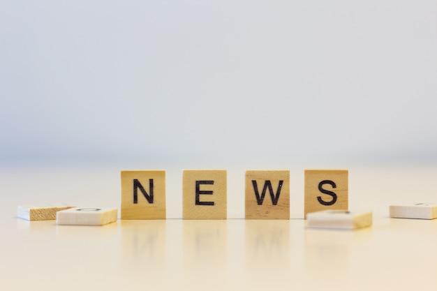 A notícia da palavra em cubos