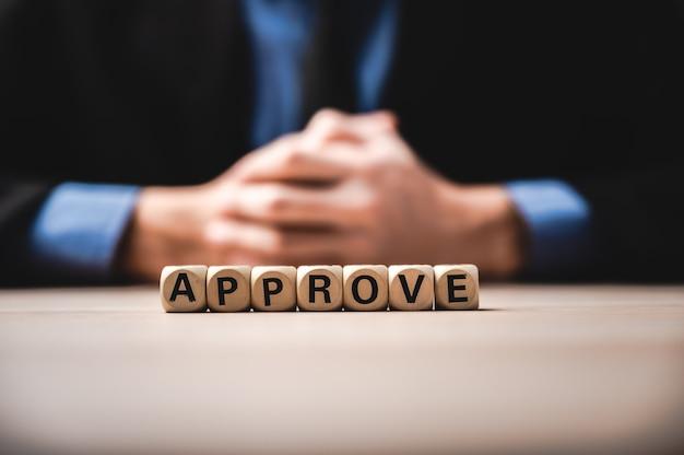 A palavra aprovar, conceito de sucesso empresarial
