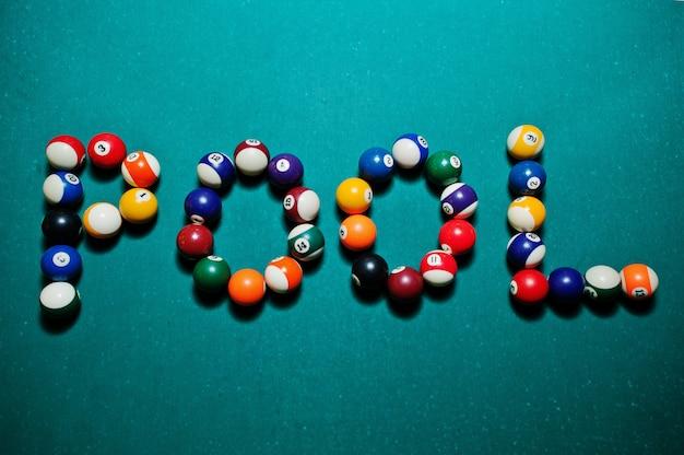 A palavra pool de bolas de bilhar