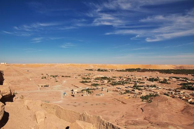A pequena vila no deserto do saara, argélia