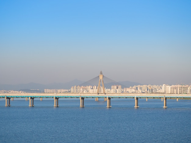 A ponte olímpica é uma ponte sobre o rio de han em seoul, coreia do sul.