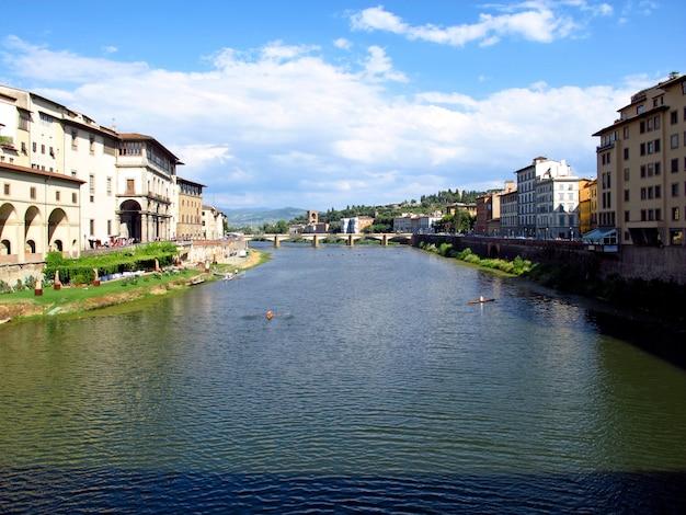 A ponte velha em florença, itália