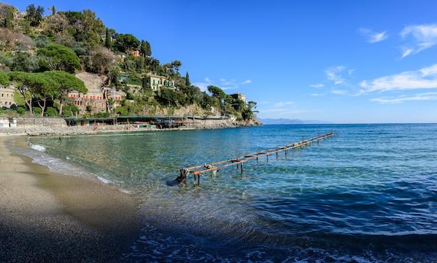 A praia de paraggi