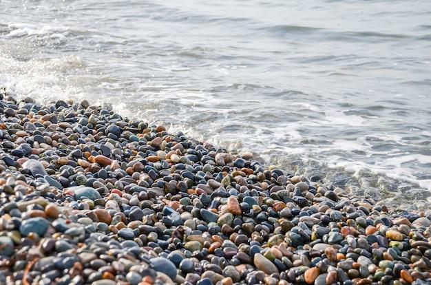A praia e o litoral em batumi, geórgia.