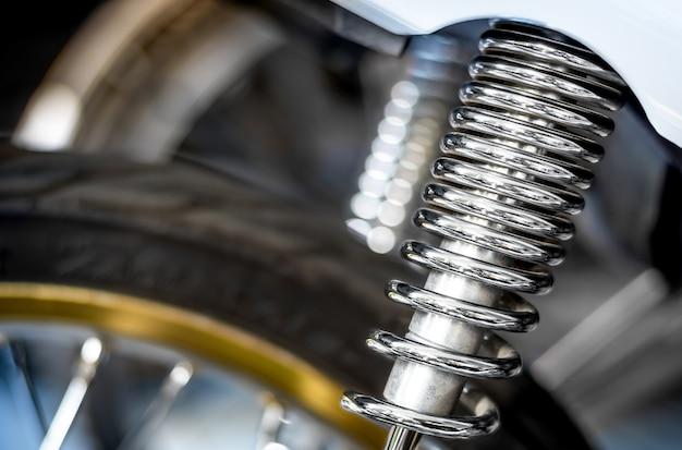 A primavera do amortecedor para motos
