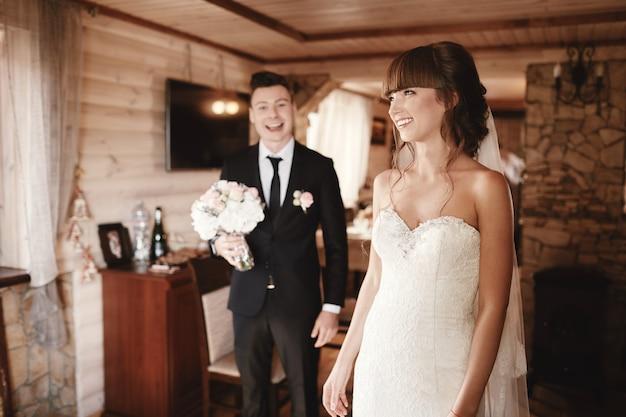 A primeira reunião da noiva e do noivo