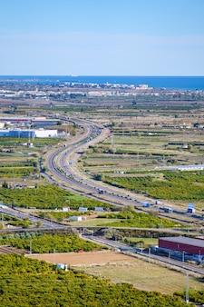 A rodovia ap7 espanhola forma um s na província de castellón.