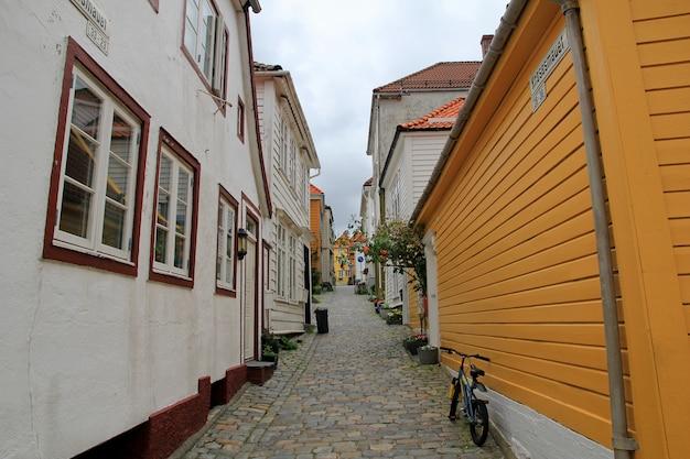 A rua vintage na cidade de bergen, noruega