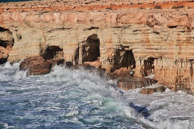 A tempestade no mar mediterrâneo, chipre