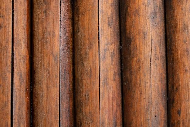 A textura do fundo compra hastes de um bambu seco após uma chuva