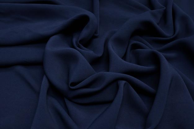 A textura do tecido de viscose é azul escuro.