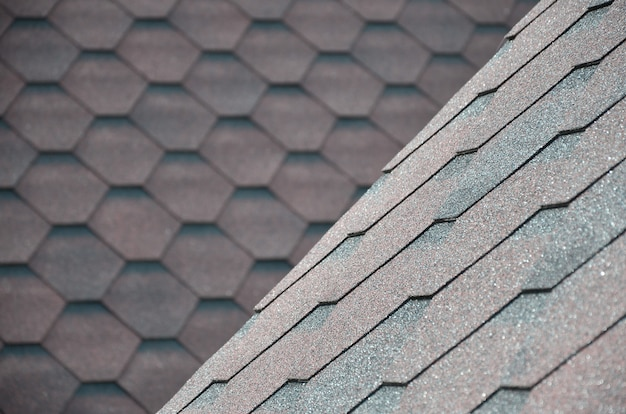 A textura do telhado com revestimento betuminoso.