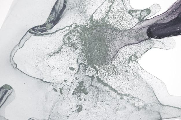 A tinta acrílica transparente pálida deixa cair o fundo.