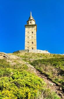 A torre de hércules em a coruna, na espanha