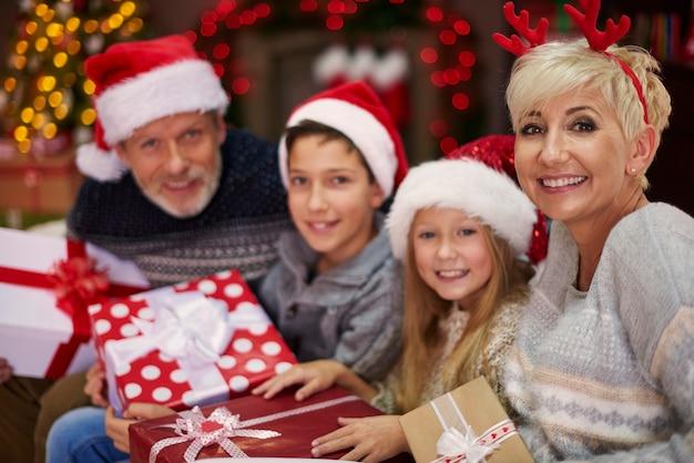 A troca de presentes é o momento que todos esperam
