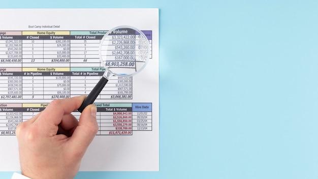 A vista de cima financia o sortimento de elementos com espaço de cópia