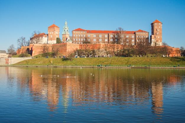 A vista do castelo wawel na cidade de cracóvia