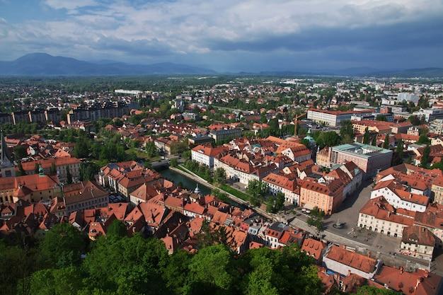 A vista no centro de liubliana, eslovênia