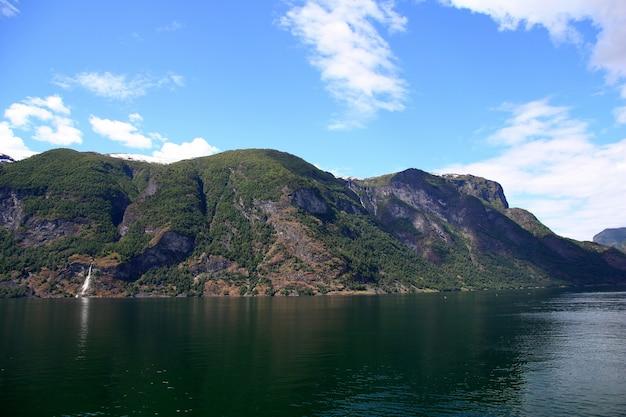 A vista sobre sognefjord, noruega