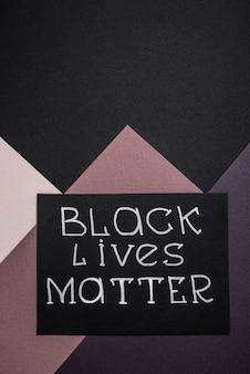 A vista superior do cartão com vidas negras importa e copie o espaço