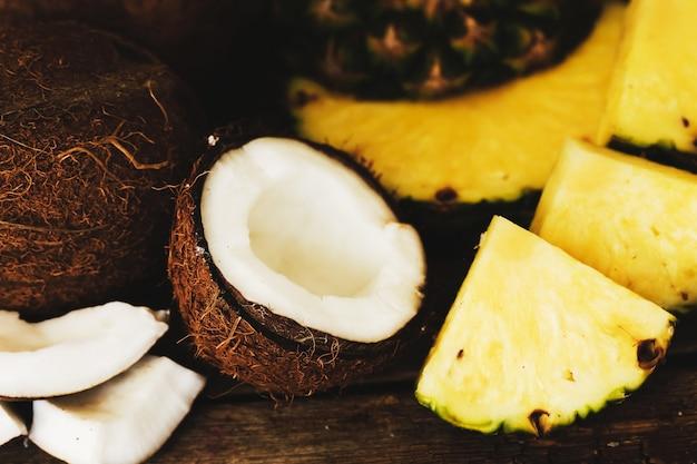 Abacaxi e coco