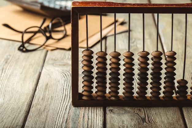 Ábaco e calculadora vintage