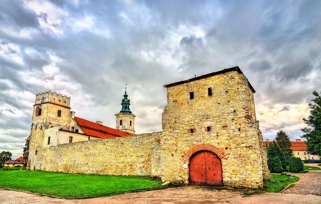 Abadia cisterciense na voivodia de sulejow lodz, na polônia
