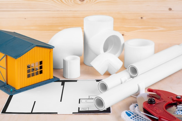 Abastecimento de água em casa. conceito de melhoramento da casa