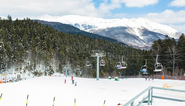Abetone com neve, localização famosa montanha na toscana.