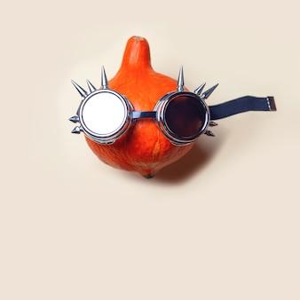Abóbora com óculos punk rocker