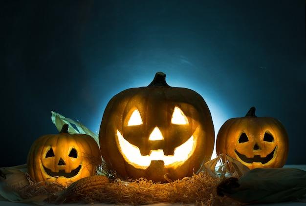 Abóbora de halloween em chamas