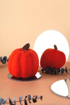 Abóbora de lã brilhante com espelho redondo