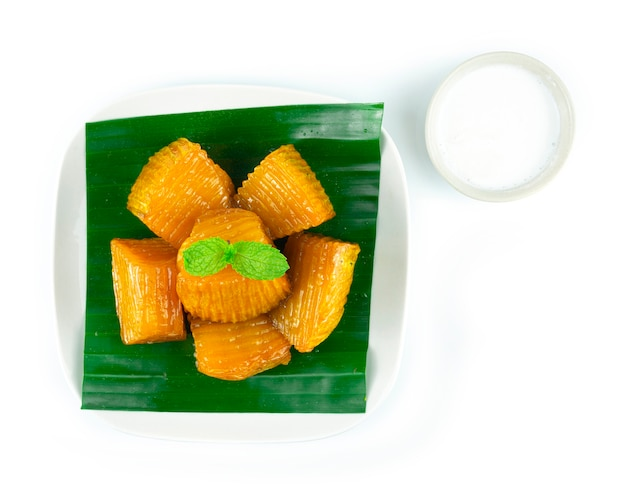 Abóbora em xarope servido com leite de coco prato de sobremesa tailandesa deliciosa vista de cima
