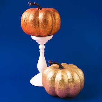 Abóboras decoradas de halloween na montagem