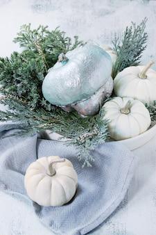 Abóboras decorativas brancas