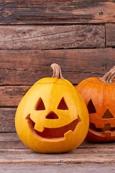 Abóboras engraçadas para o feriado de halloween.