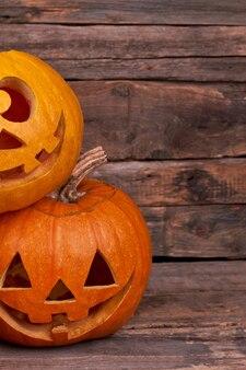 Abóboras sorridentes engraçadas para o feriado de halloween.