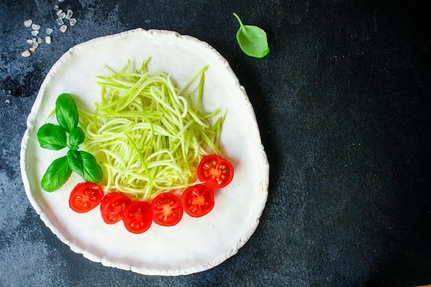 Abobrinha e tomate legumes salada lanche