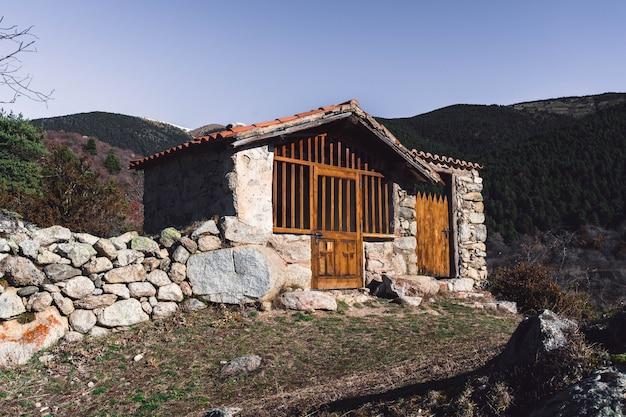 Abrigo de montanha nos alpes