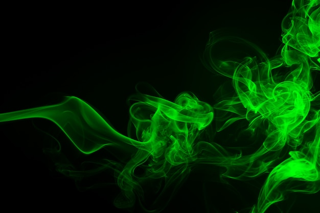 Abstrato de fumaça verde. conceito de escuridão