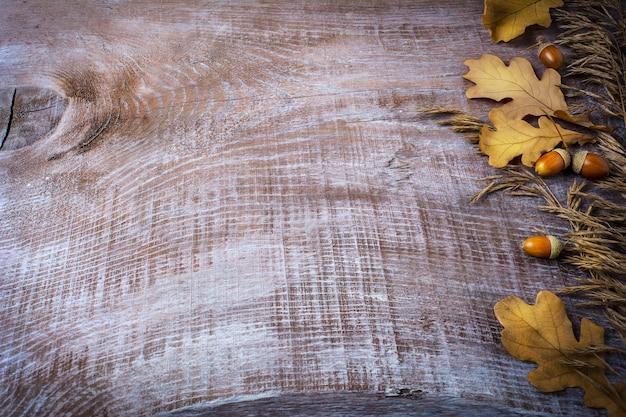 Ação de graças com aveia, bolota e folhas de outono