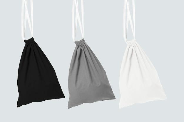 Acessório básico para sacolas com cordão