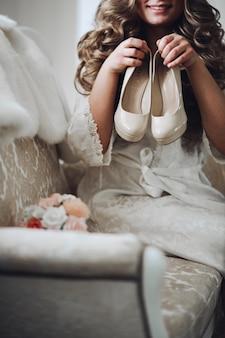 Acessório de noiva véu sapatos bouquet de noiva.