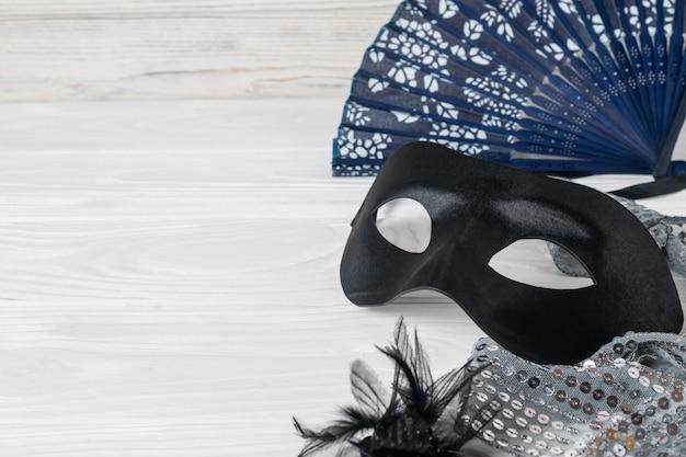 Acessórios de carnaval festivos, máscara de cetim preto, elegante ventilador vintage e jóias