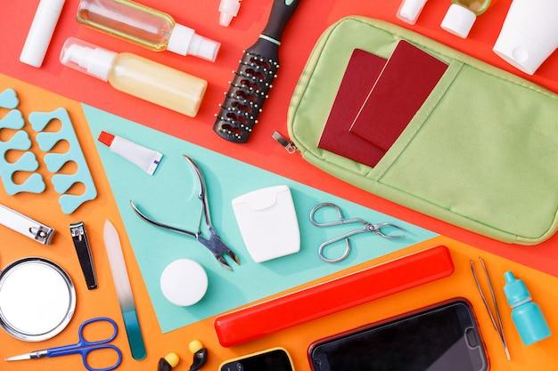 Acessórios de manicure, pente, telefone, esteticista